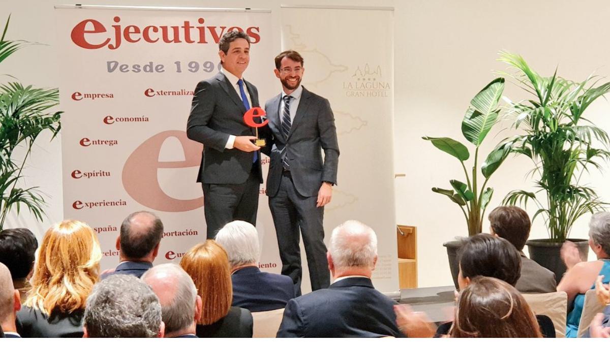 Revista Ejecutivos entrega de premio Tagua